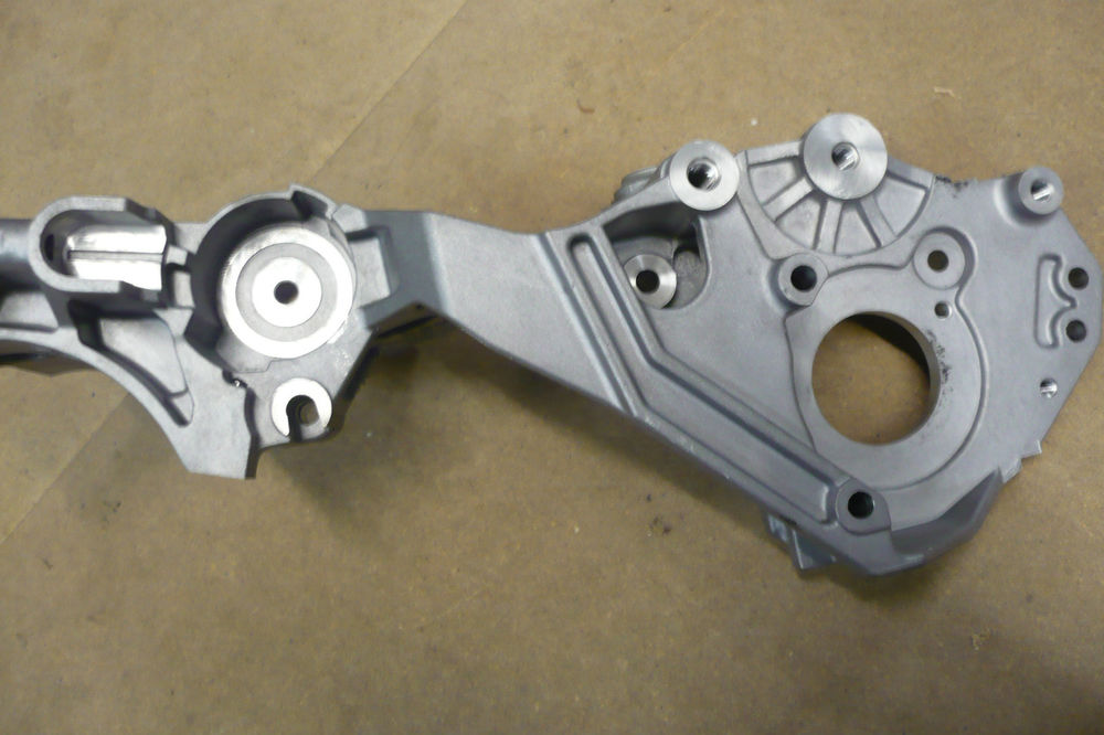 Motor Alternatör Braketi - Volkswagen - Golf 6 - Passat - Jetta - Tiguan - Caddy - Audi - A4 - A5 - Q5