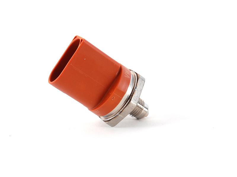 Motor Benzin Pompa Basınç Müşürü - A1 , A3 , A4, A5 ,A6, A7, A8, Q5 , TT ,  Caddy 3 - Golf 5 , 6 - Jetta 3, 4 - Passat - Polo HB