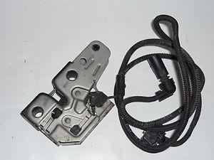 Kaput Kilidi Komple Mikro Şalter Üzerinde - Transporter T5