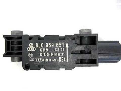 Ön Darbe Sensörü Çarpma Sensör - Audi - A3